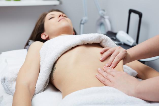 Técnicas y pasos para hacer un  masaje reductivo